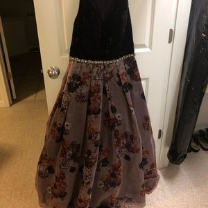 Purple/floral dress (prom ,Winterball, events etc)